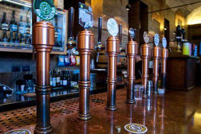 All the copper taps with craft beer at Be.Re