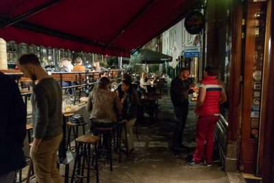 People enjoying their beer outside of Bierlokaal Locus Publicus in Rotterdam