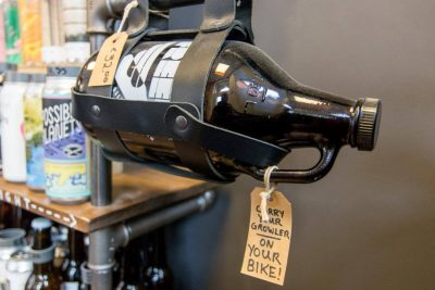 A way to carry a growler on your bike like a real Dutch person