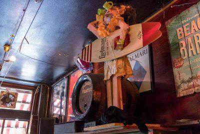 Proeflokaal De Riddert has a Liefmans surfer dude as decoration